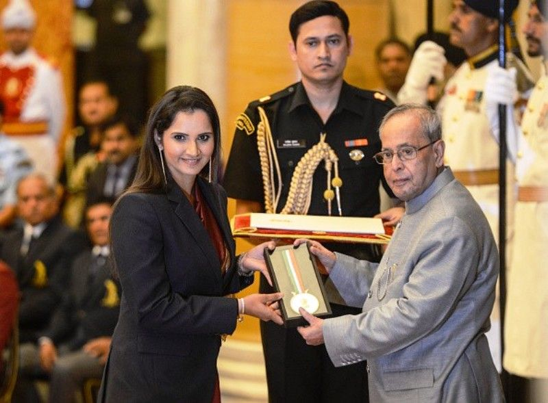 Sania Mirza Receiving Rajiv Gandhi Khel Ratna Award
