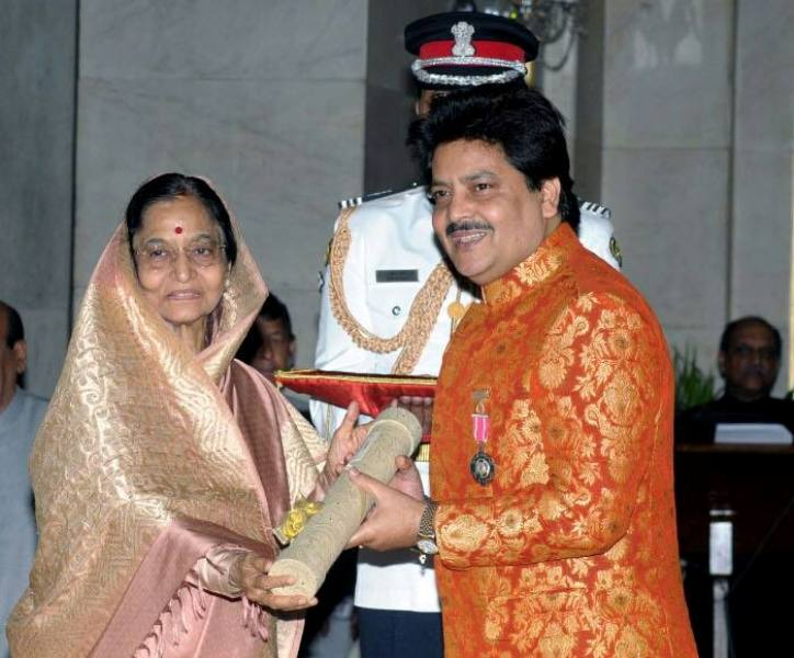 Udit Narayan Receiving Padma Shri