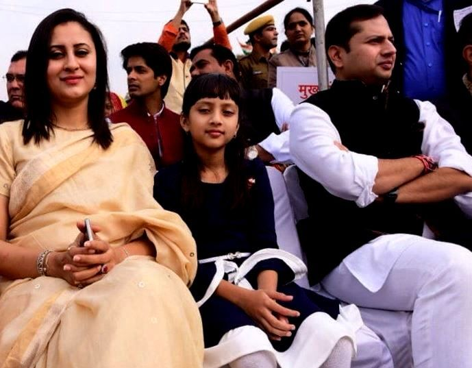 Vaibhav Gehlot With His Wife Himanshi And Daughter Kashwini