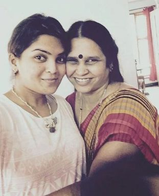 Veda Krishnamurthy with her mother
