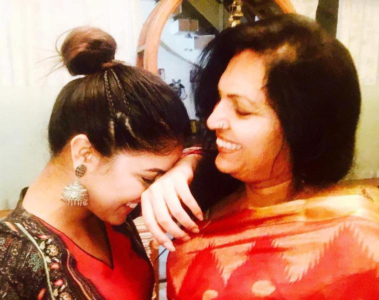 Wamiqa Gabbi with her mother