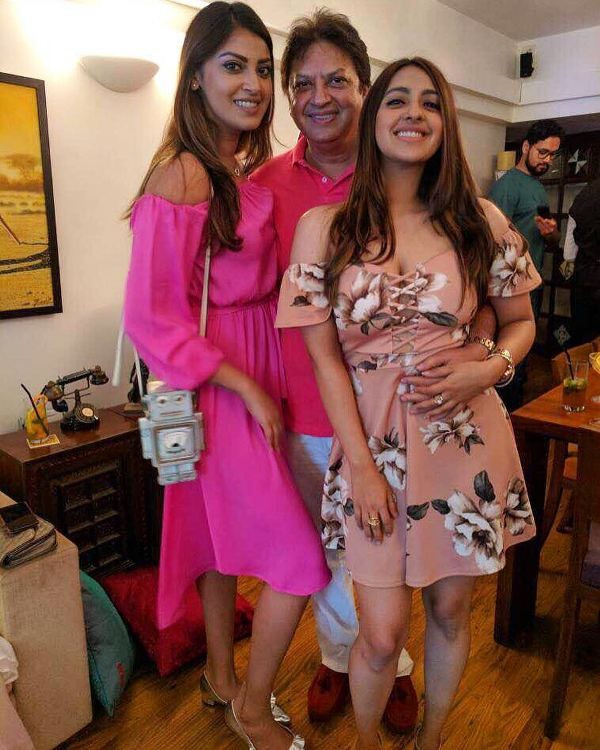 Akansha Ranjan Kapoor with her father and sister