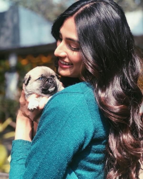 Athiya Shetty with her pet dog
