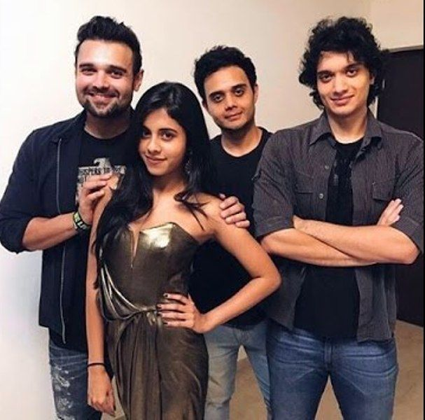 Dishani Chakraborty With Her Brothers