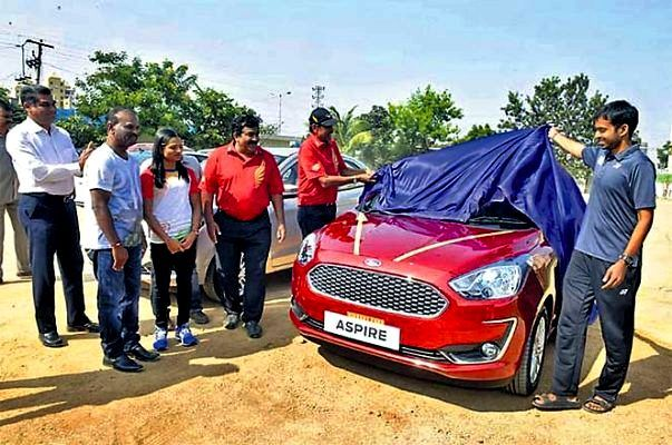 Dutee Chand Being Presented The Ford Aspire (2018-Model)