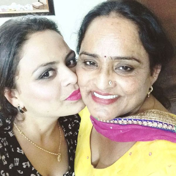Gurlej Akhtar With Her Mother Rani Akhtar