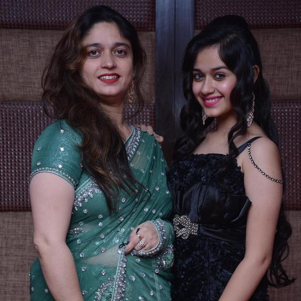 Jannat Zubair Rahmani With Her Mother