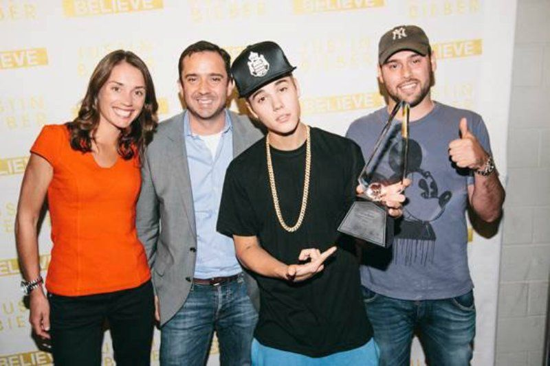 Justin Bieber With His Diamond Award