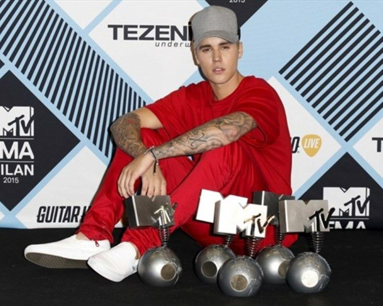 Justin Bieber With His EMA