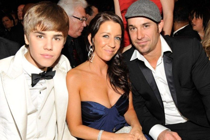 Justin Bieber With His Parents