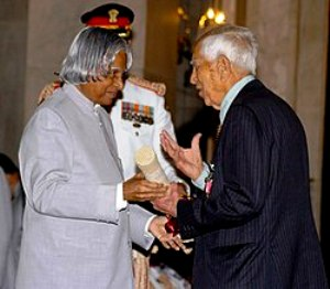 Kapil Sibal's Father Hira Lal Sibal Receiving The Padma Bhushan
