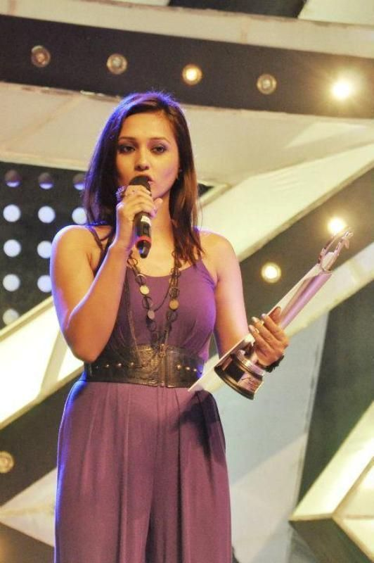 Mimi With Her Bangla Rising Star Award