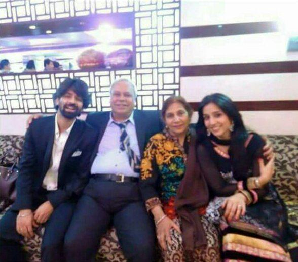 Pashmeen Manchanda with her husband and in laws