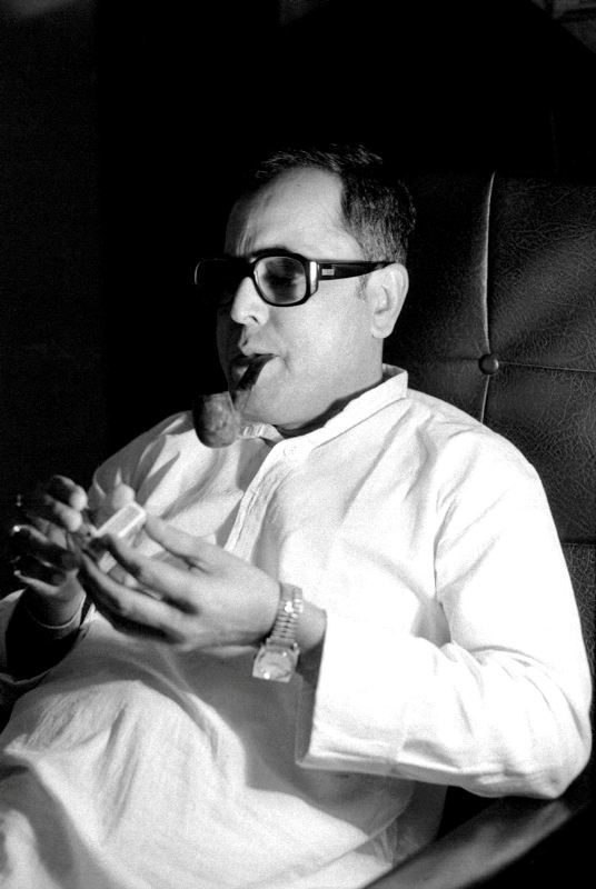 Pranab Mukherjee Smoking