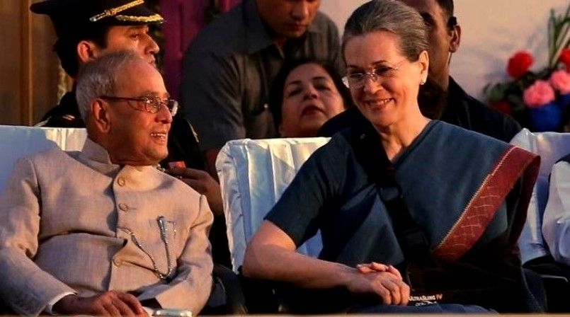 Pranab Mukherjee With Sonia Gandhi