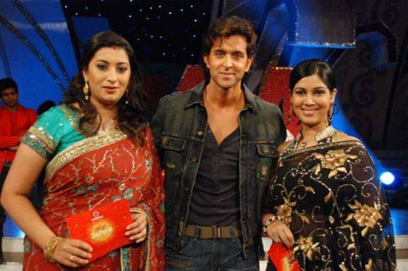 Smriti Irani As A Host Of The Show-Yeh Hai Jalwa