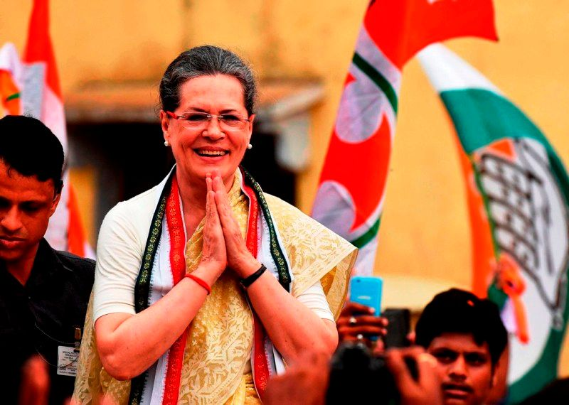 Sonia Gandhi After Being Re-Elected In The 2006 Lok Sabha By-Polls
