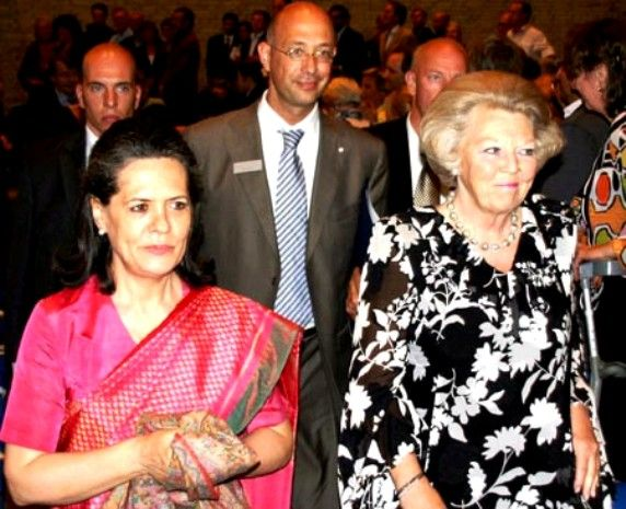 Sonia Gandhi With Her Mother Paola Maino