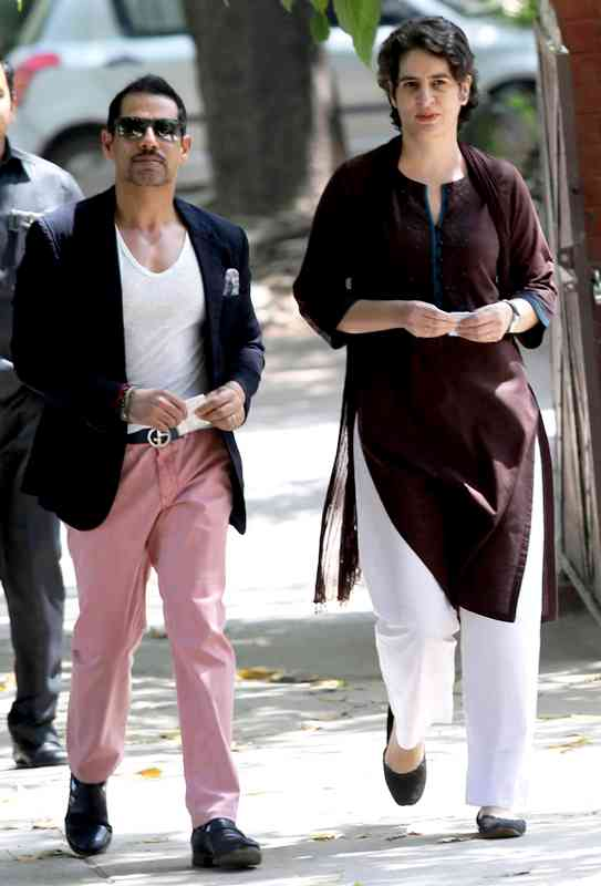 Sonia Gandhi's Daughter Priyanka Gandhi With Her Husband Robert Vadra