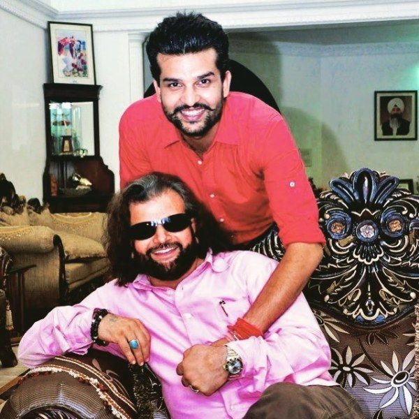 Yuvraj Hans with his father
