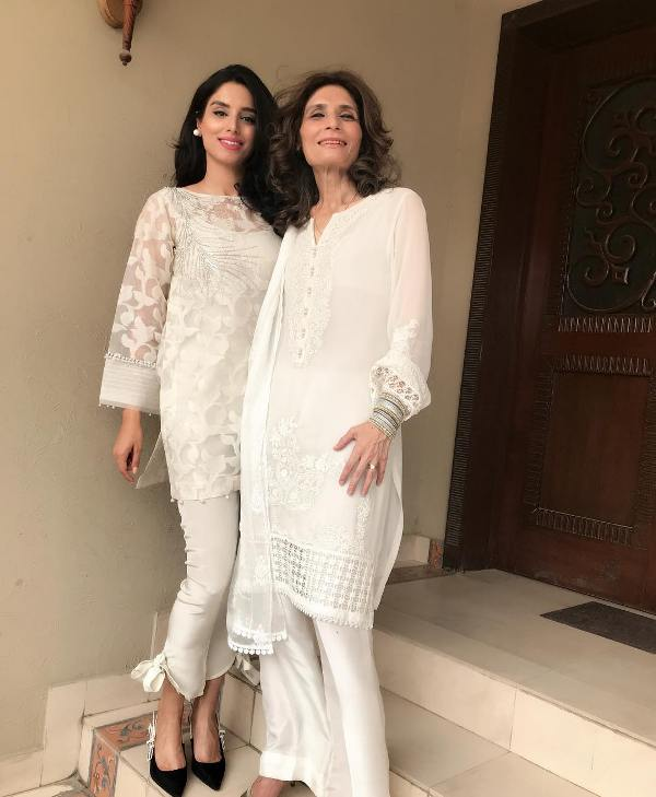 Zainab Abbas With Her Mother Andleeb Abbas