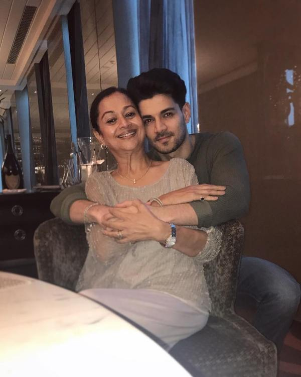 Zarina Wahab with her son