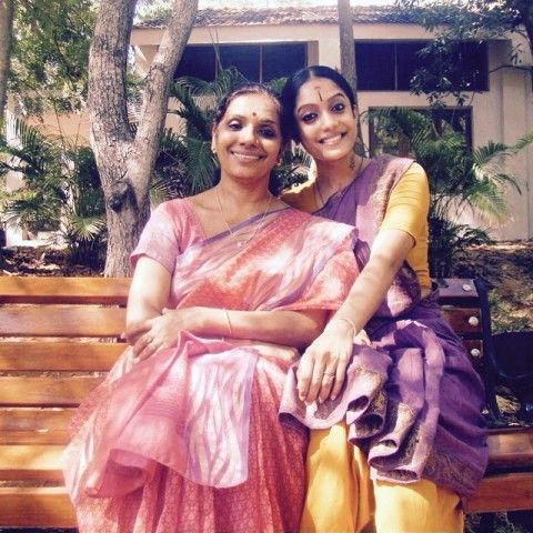 Abhirami Venkatachalam with her mother