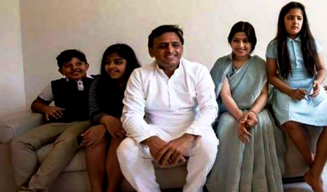 Akhilesh Yadav With His Wife Dimple Yadav & Their Children