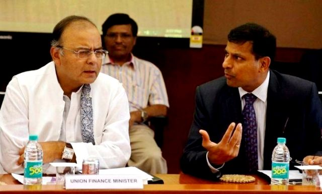 Arun Jaitley with the former RBI Governor Raghuram Rajan