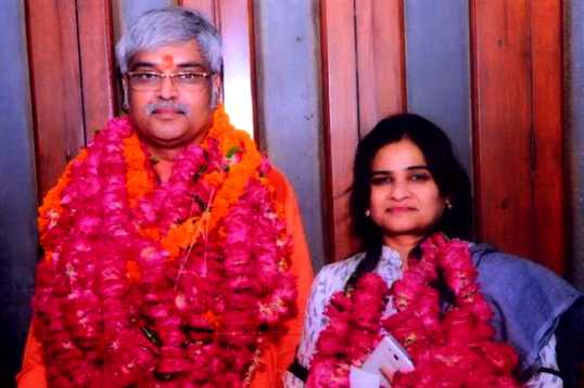 Darvesh Singh With The President Of The UP Bar Council When She Was Elected In 2014