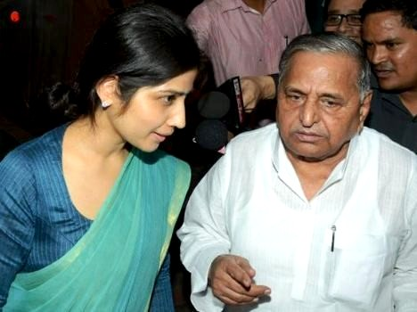 Dimple Yadav With Her Father-In-Law Mulayam Singh Yadav