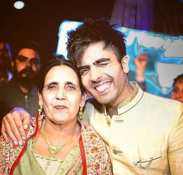 Harrdy Sandhu with his mother