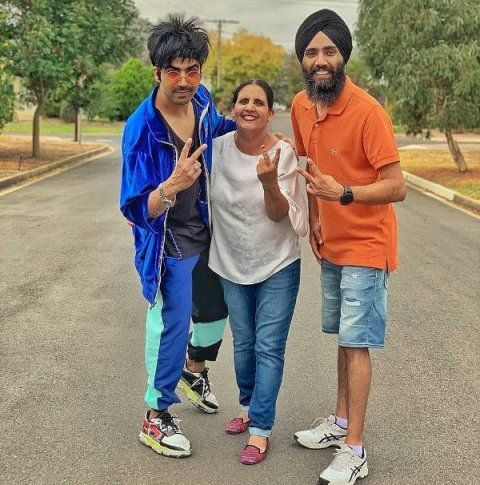 Hardy Sandhu with his mother and brother