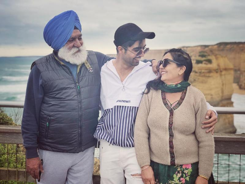 Harrdy Sandhu with his parents