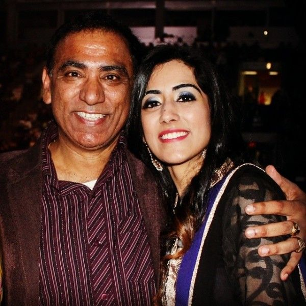 Jonita Gandhi With Her Father, Deepak Gandhi