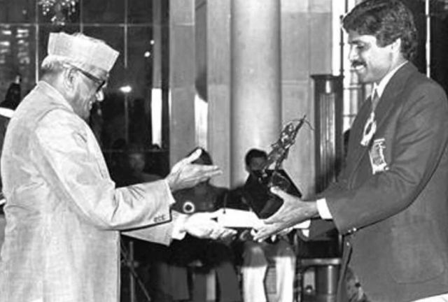 Kapil Dev receiving the Arjun Award from the then President, Sanjiva Reddy