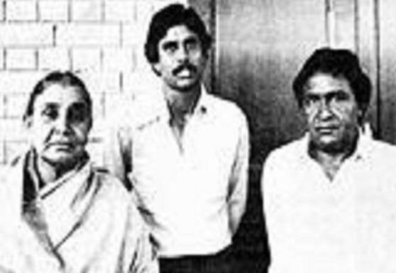 Kapil Dev with his parents