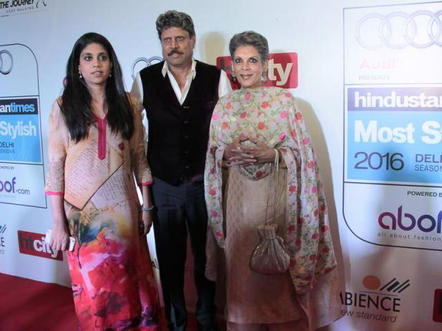 Kapil Dev with his wife and daughter