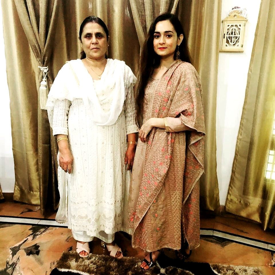 Khushboo Mirza With Her Mother Farhat Mirza