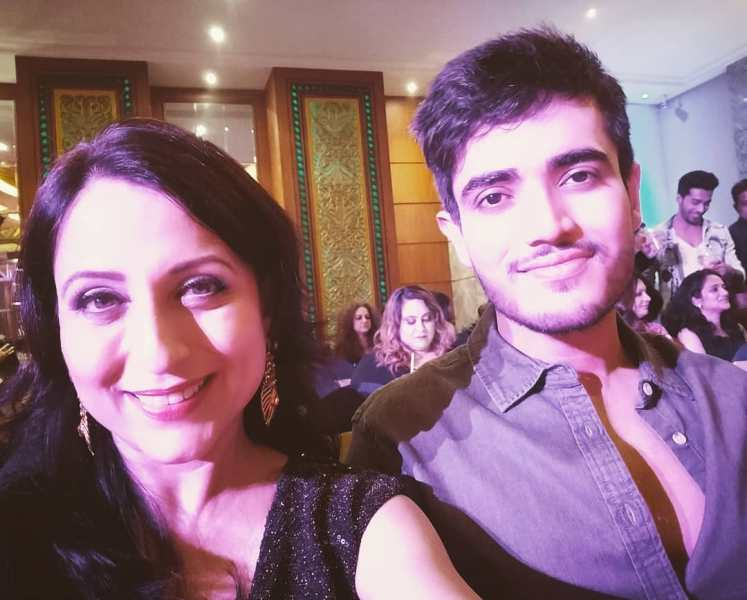 Kishori Shahane Vij with her son