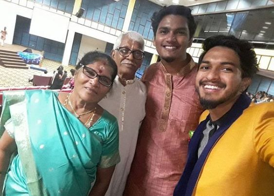 Mugen Rao (extreme left) with his grandparents