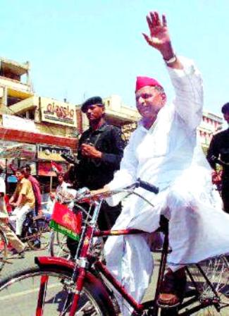 Mulayam Singh Yadav on a cycle
