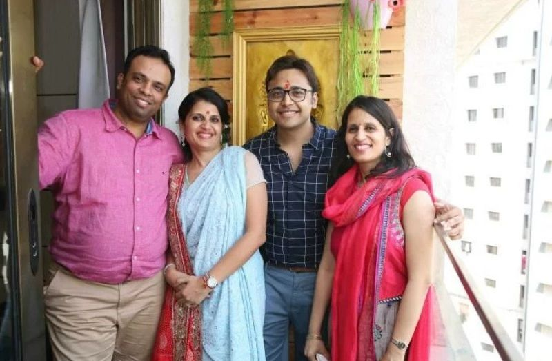 Nikhil Jain's Sisters With Their Husband
