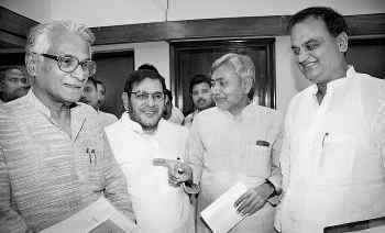 Nitish Kumar With Leaders of Janata Party
