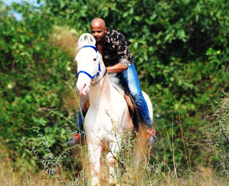 Parag Kanhere Horse Riding