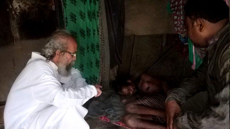 Pratap Chandra Sarangi Visiting A Bed-Ridden Man