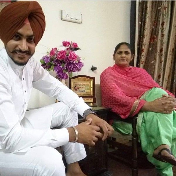 Rajvir Jawanda with his mother