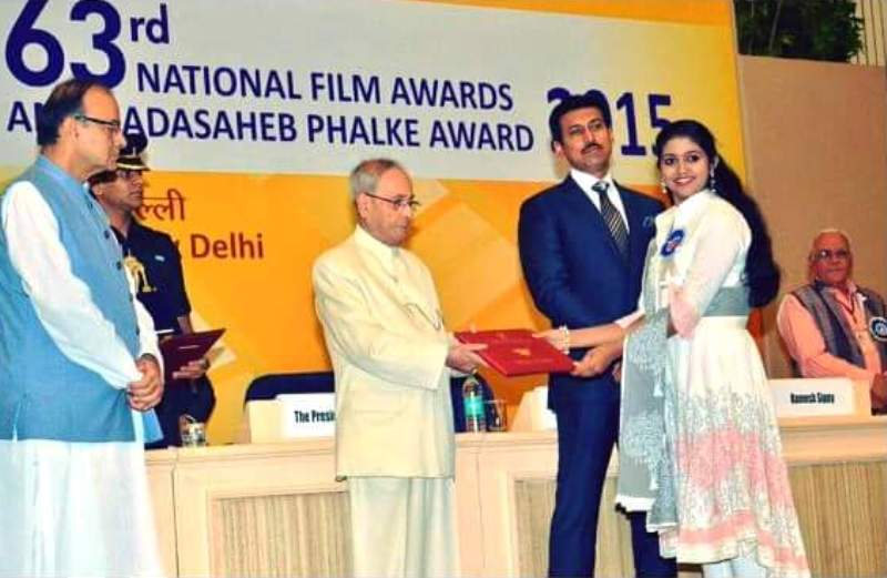 Rinku Rajguru Receiving Her National Award