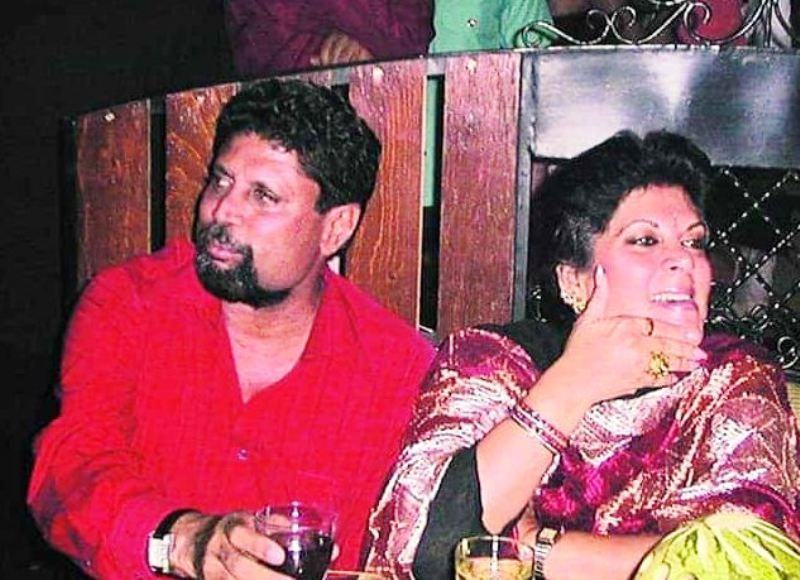 Romi Bhatia with Kapil Dev in a Party