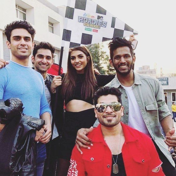 Shiv Thakare With His Roadies Co-Stars